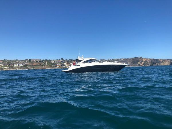 Sea Ray 510 Sundancer Day on the Water