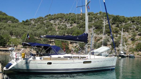 Jeanneau Sun Odyssey 44i Owners Version