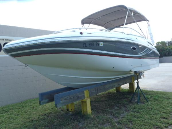 Hurricane 2200 SUNDECK DC OB Port Bow