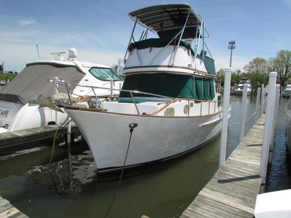 Marine Trader 36 DC
