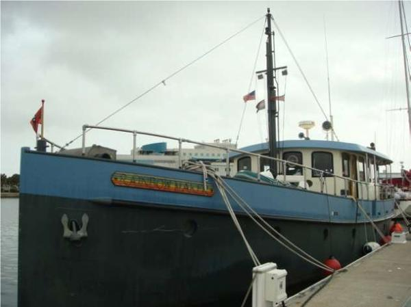 Custom Expedition/Live aboard vessel