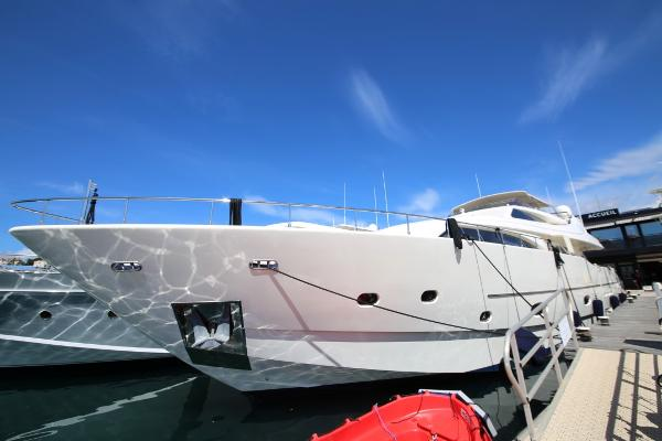 Ferretti Yachts Custom Line 94 Side View