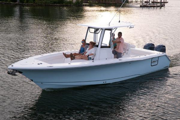 Sea Hunt Gamefish 27 with Coffin Box Manufacturer Provided Image