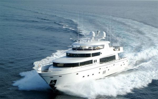 Johnson 105 Motoryacht Photo 1