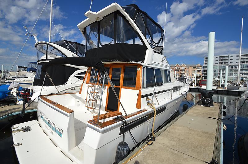 Bayliner 3888 Motoryacht Profile.jpg