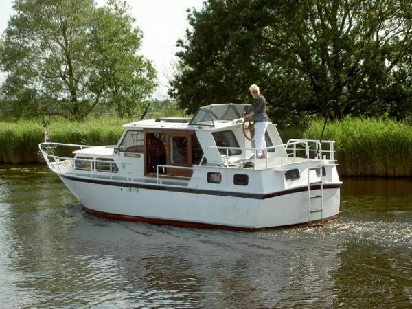Motoryacht Heckkruiser 960 GS/AK