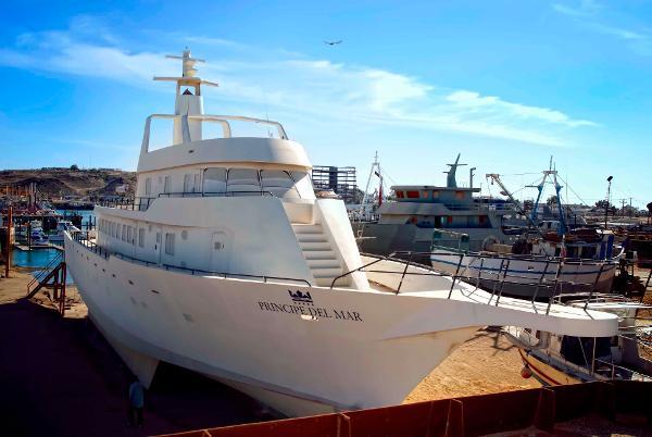 Custom Yacht Fisherman