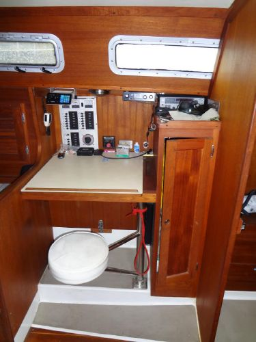 Nav Station with Pivoting Stool