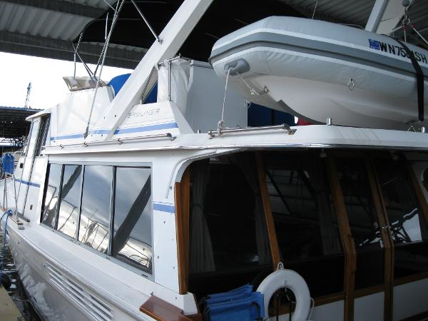 Bayliner 4550 Side Profile Port
