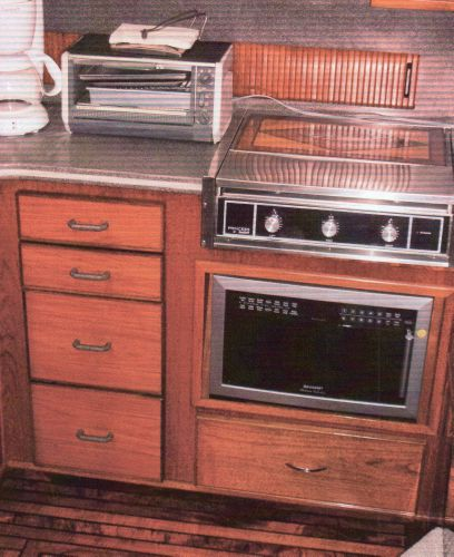 Stove Top and Microwave