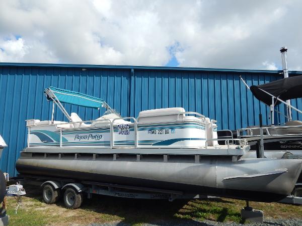 Aqua Patio 21 coastal cruise