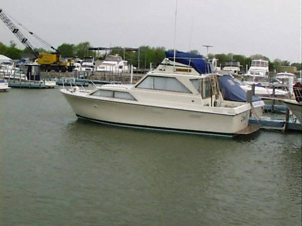 Pacemaker 32 Sedan Bridge