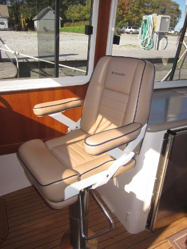 True North 38 Sausalito Helm Seat
