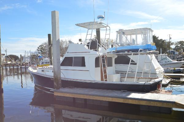 Nauset / Bruno Stillman Flybridge