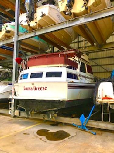 Marinette 37 Motor Yacht