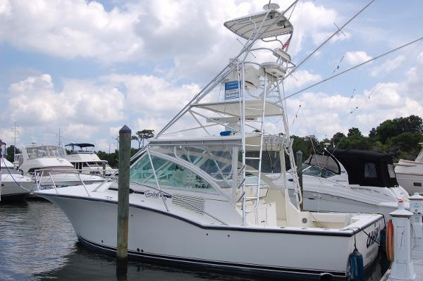 Carolina Classic 35 '04 Carolina Classic 35 Express, port beam