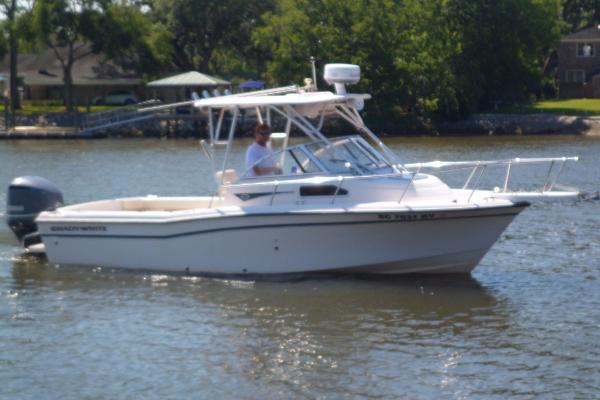 Grady-White Seafarer 22 STARBOARD UNDERWAY