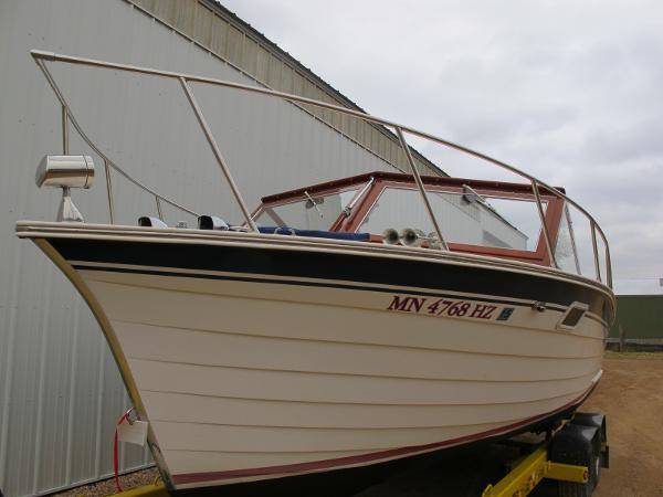 Skiff Craft 260