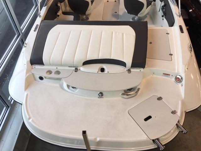Stingray 208 Ls Sport Deck- Full Windshield Stingray 208LS 2.JPG