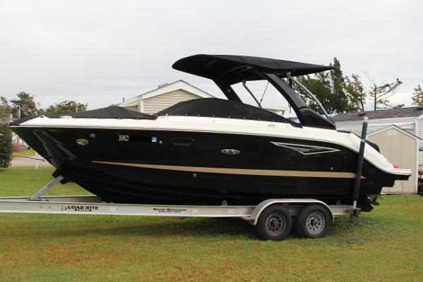 Sea Ray 250 SLX 250 SLX Profile Black Hull
