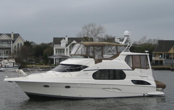 Silverton 43 Motor Yacht (fresh water)