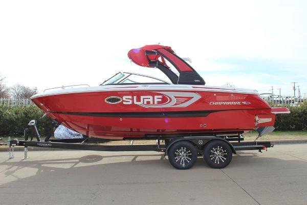 Chaparral 25 SURF