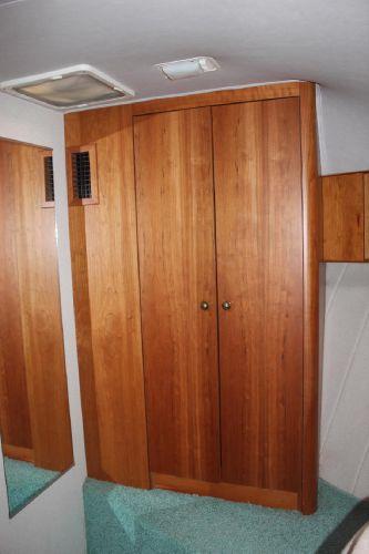 Fwd stateroom cedar-lined closet