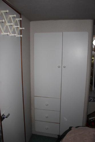 Master stateroom closet/drawers