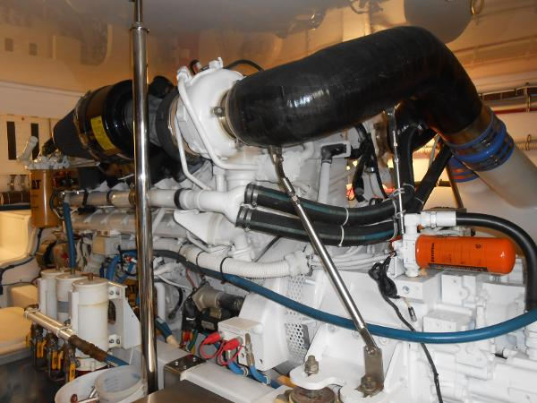 Starboard C32 CAT 1800 hp