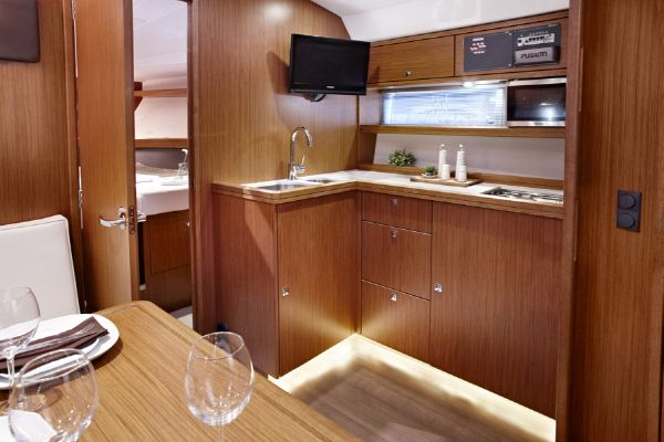 Bavaria Sport 39 Galley