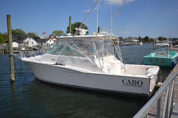 Cabo 35 Express