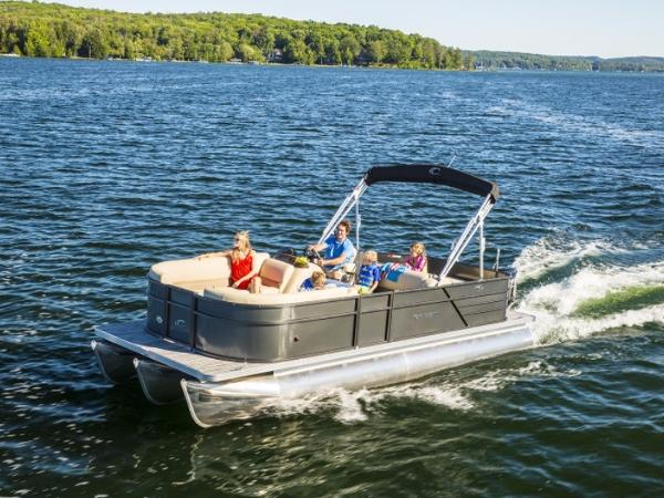 Crest Pontoon Boats 200 L