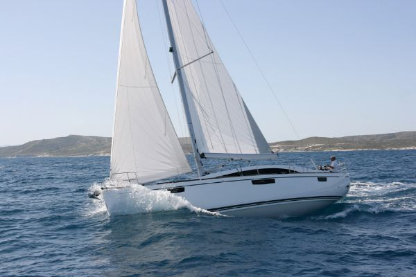 Bavaria Vision 46 Manufacturer Provided Image: Bavaria Vision 46 Sailing