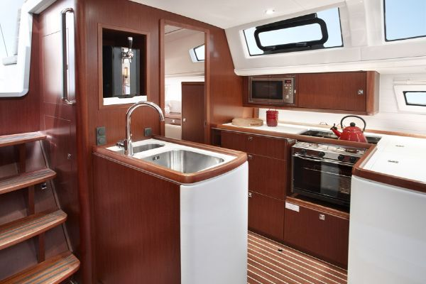 Bavaria Vision 46 Galley