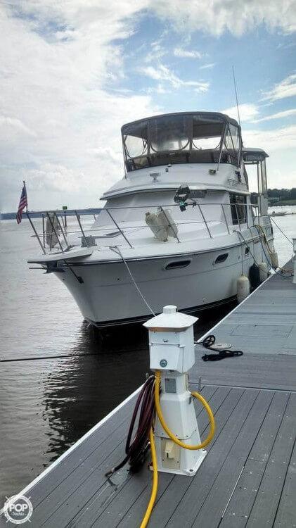 Carver 42 Motor Yacht 1988 Carver 42 for sale in Portsmouth, VA