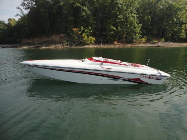 Challenger Boats 28 DDC