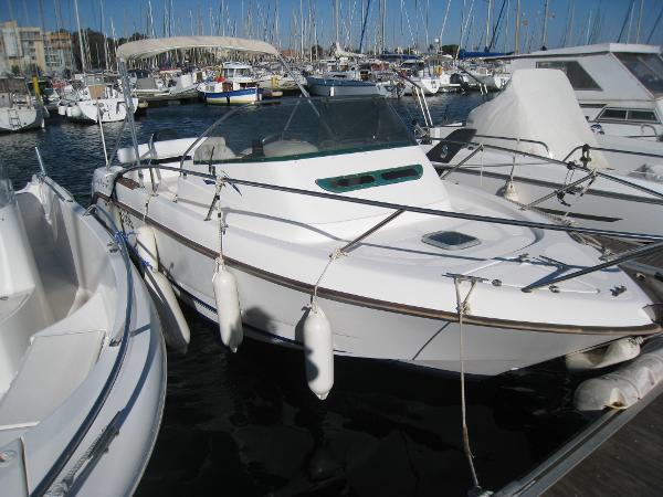 B2 Marine CAP FERRET 650