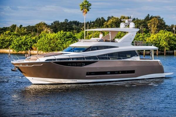 Prestige 750 Flybridge Profile