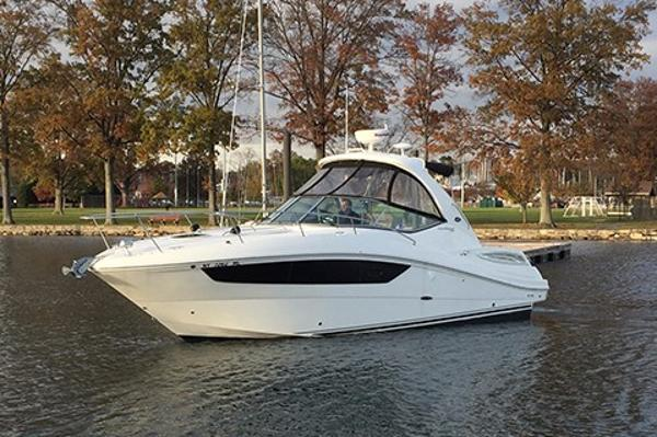 Sea Ray 330 Sundancer Profile