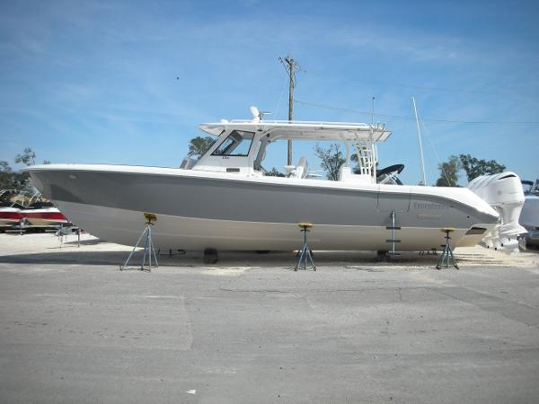 Everglades Boats 435 Center Console