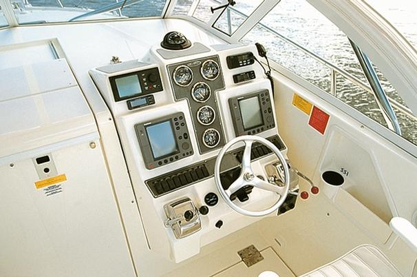 Manufacturer Provided Image: 30 - helm