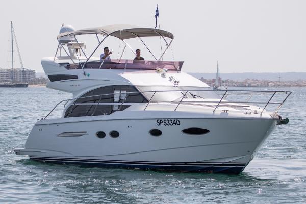 Princess 43 Princess 43 Bow / Starboard Exterior