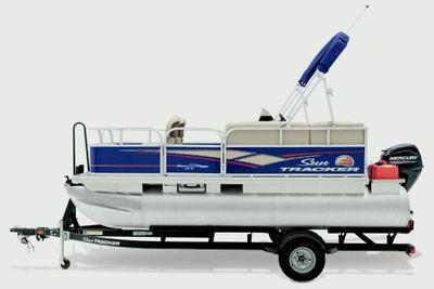 Sun Tracker Bass Buggy 16 DLX