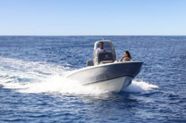 Invictus 200HX Special offer! w/engine!