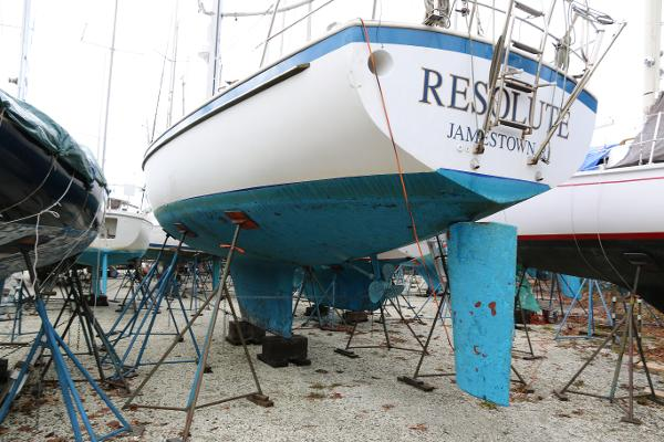 Hinterhoeller Nonsuch 36 Resolute on the hard for winter