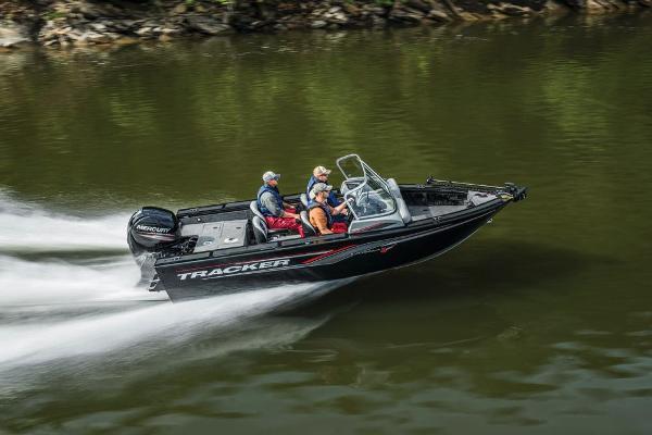 Tracker Targa V-18 WT
