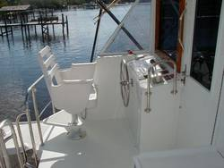 Commander Boats 2800 Deck Boat Stern Graphics