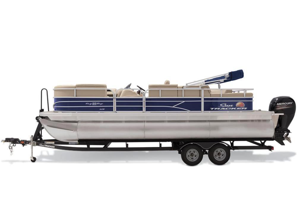 Sun Tracker Boat image