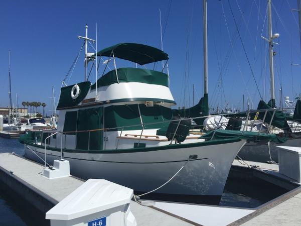 Blue Seas 36 Tri-cabin Trawler