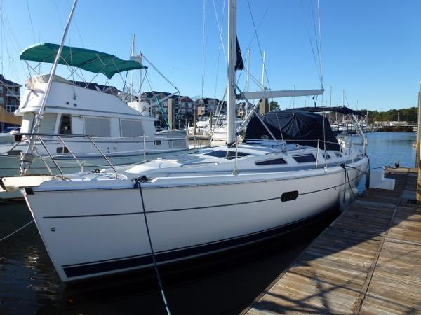 Hunter 356 Port View